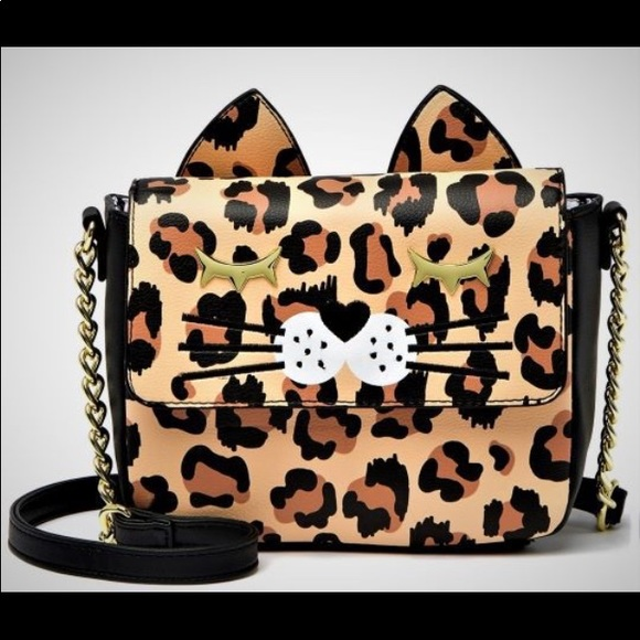 Betsey Johnson Handbags - 🔥New🔥Betsey Johnson purse